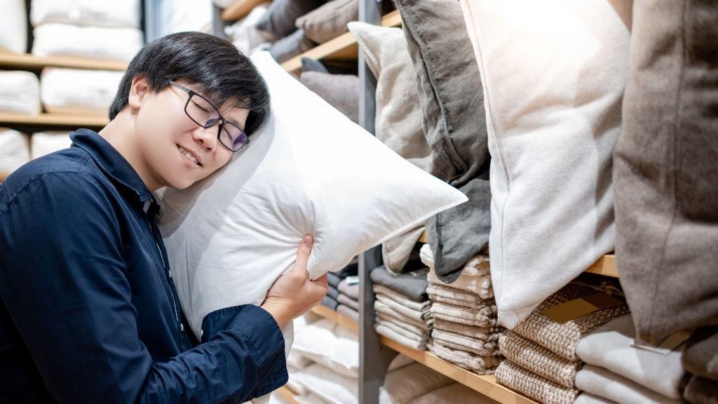Chọn chiếc gối giúp ngủ ngon